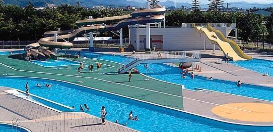 山形県総合運動公園 プール